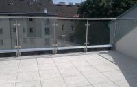 balustrada-balkonowa-niedzewna-ze-szkem-bezpiecznym-wiede